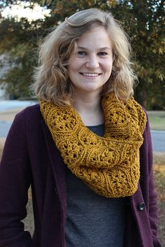 Ravelry: buenger60's Cabernet Infinity Cowl