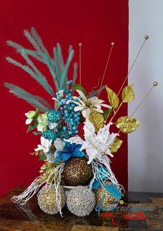 Arreglo navideño en combinación Blanco, dorado y turquesa