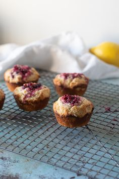 Muffins flavored with lemon zest and olive oil get stuffed with jammy raspberry bellies. An easy and delicious weekend breakfast! Lemon Raspberry Muffins, Lemon Muffins, Oat Muffins, Chocolate Muffins, Breakfast Muffins, Food Trucks, Tortellini, Sandwiches, Blackberry Syrup