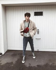 Mens fashion mens eyewear mens sunglasses autumn fashion for men mens fall f You are in the right place about Womens Street Style 2018 Here we offer you the most beautiful pictures about the korean Wo Fashion Mode, Mens Fashion, Fashion Trends, Fall Fashion, Vintage Fashion Men, Runway Fashion, Gym Fashion, Fashion Edgy, Fashion 2018