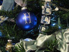 JeNNspeak: Monogrammed Ball Ornaments DIY