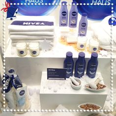 What about a wintry window shopping expedition? Maybe you amble past the #NIVEA Haus and get some nice #Christmas inspiration. #cosmetics #skincare #skin #pflege #pretty #beauty