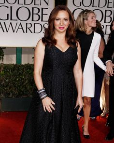 Maya Rudolph wearing #MCL at the Golden Globe Awards #bangles #monochrome #stacked #goldenglobes #elegance