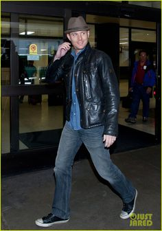 Jensen Ackles flashes a smile while arriving at LAX Airport on Saturday afternoon (February 16, 2013)