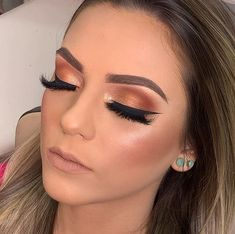 Outstanding makeup guide information are offered on our internet site. Eye Makeup Cut Crease, Eye Makeup Art, Love Makeup, Simple Makeup, Makeup Inspo, Makeup Looks, Hair Makeup, Natural Wedding Makeup, Natural Makeup