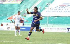 El goleador Darly Batista, del Club Atlético Pantoja (CAP), fue seleccionado como el Jugador de la Semana