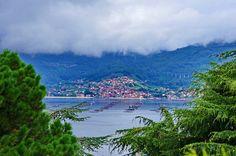 Vigo - Espagne - Galice - 225 à travers la Ria de Vigo les élevages de moules et de poissons