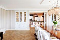 Bei Geöffneter Schiebetüre Zur Küche Hat Man Aus Dem Wohn  Und Esszimmer  Eine Blick Auf