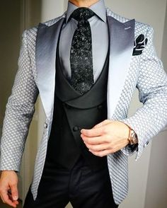 The Upside to Ideas Fitness Fashion Menswear The Hidden Facts on Ideas Fitness Fashion Menswear Ensure you to try your suit and continue around a bit to make sure the fit is ideal. Dress Suits For Men, Suit And Tie, Men Dress, Mens Fashion Suits, Fashion Wear, Fashion Menswear, Indian Groom Wear, Slim Fit Suits, Designer Suits For Men