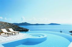 http://fillinn.com/img01/these-are-handsdown-the-best-pools-in-the-world17.jpg