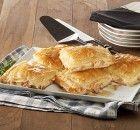 Πικάντικη Ζαμπονοτυρόπιτα με φέτα Apple Pie, Feta, Food And Drink, Desserts, Apple Cobbler, Tailgate Desserts, Deserts, Dessert, Food Deserts