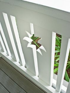 Smart Home 2013 Front Yard All homes within Paradise Key feature classic picket fencing. A palm tree motif lends distinction to the pressure-treated pine porch railing system. Porch Railing Kits, Porch Railing Designs, Deck Railings, Banisters, Garage Exterior, Exterior Cladding, Cabana, Tree Cut Out, Bedroom Pictures