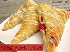 Easy Puff Pastry Cherry Turnovers - a delicious dessert or easy after school snack! Brownie Desserts, Just Desserts, Cherry Turnovers, Apple Turnovers, Turnover Recipes, Puff Pastry Recipes, Puff Pastries, Pie Dessert, Dessert Recipes