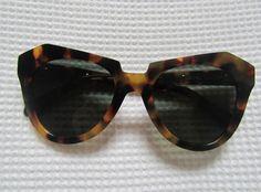 Image via We Heart It https://weheartit.com/entry/37803749/via/3237722 #fashion #girl #karenwalker #style #sunglasses #turtle