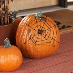 Looks so easy - would be great with a window carved in the pumpkin and lit up.