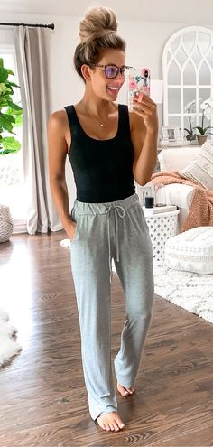 Insane Spring Outfits You Will Love, Summer Outfits, black tank top and gray sweatpants Lazy Day Outfits, Cozy Winter Outfits, Spring Outfits, Cute Outfits, Black Outfits, Casual Outfits For Summer, Tank Top Outfits, Sporty Outfits, Casual Winter