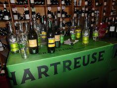 Caves Bossetti - Une belle sélection de bouteilles de #chartreuse! C'était bon! #liqueur #tarragone #vep