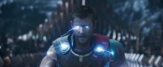 Chris Hemsworth visualized 'Thor with director Taika Waititi on New Year's Eve Chris Hemsworth Thor, Ragnarok Movie, Immigrant Song, Psycho Facts, Latest Hollywood Movies, Latest Movies, Taika Waititi, Tessa Thompson, Thunder And Lightning