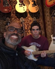 Disney star, Cameron Boyce, sadly passed away last week. With hundreds of tributes flooding in, his father has now responded. Cameron Boyce, Disney Channel Stars, Disney Stars, Victor Boyce, Jessie, Dove Cameron Style, Guitar Store, First Crush, Child Actors