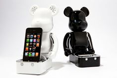 Be rbrick iPhone iPod Speaker System Vinyl toy sound accessory from Japan f s Speaker System, Audio System, Ipod Speakers, Future Gadgets, Iphone Gadgets, Hifi Audio, Stuff And Thangs, Electronic Devices, Ipod Touch
