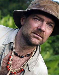 Forget Bear Grylls and Cody - We ♥ Les Stroud!