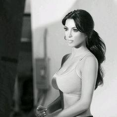 Kim Mira asía adelante no dejes de pensar en lo que quieres, nunca te des por vencido. Piensa en grande y sueña en grande.