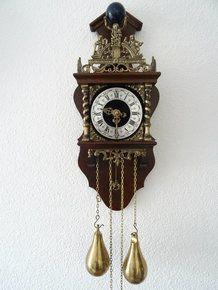 Zaanse clocks by Dutch clocks Antique Watches, Antique Clocks, Living Room Bookcase, Vintage, Antiques, Workshop, Furniture, Old Clocks, Jewels