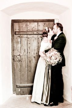 Hochzeitsbilder von Nini und Andreas Foto Shoot, Best Day Ever, Traditional Outfits, Vintage Fashion, Andreas, Style Inspiration, Culture, Bavaria, Wedding Dresses