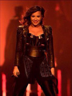 Demi Lovato - Demi World Tour, Staples Center LA