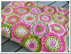 Crocheting blanket hexagons   This is one of the most beautiful blankets I have seen.
