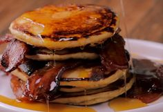 these bacon pancakes with a homemade bourbon maple syrup and prepare you Smother these bacon pancakes with a homemade bourbon maple syrup and prepare you. -Smother these bacon pancakes with a homemade bourbon maple syrup and prepare you. Maple Syrup Recipes, Bourbon Syrup Recipe, Pancakes And Bacon, Pancakes Easy, Waffles, Homemade Pancakes, Easy Homemade Recipes, Sweet Recipes, Recipes