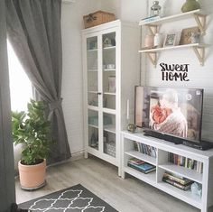 58 Trendy Ideas For Bedroom Design Ikea Style Ikea Living Room, Cozy Living Rooms, Living Room Interior, Home And Living, Beach Interior Design, Interior Desing, Shelves In Bedroom, Cozy House, Decoration