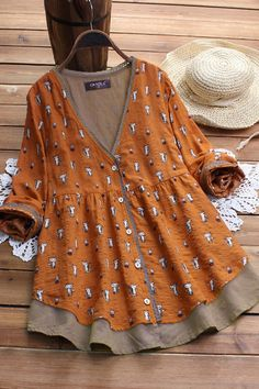 Where to buy cat print? NewChic offer quality cat print at wholesale prices. Shop cool personalized cat print with unbelievable discounts. Dressy Outfits, Chic Outfits, Fashion Outfits, Summer Outfits, Blouse Vintage, Vintage Dresses, Printed Blouse, Printed Shirts, Floral Shirts