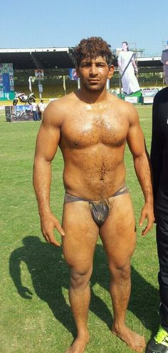 MALE CAJOLE - INDIA GAY: Wrestlers India (2013)