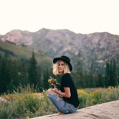 Ideas for travel plane outfit summer hats Senior Portraits, Senior Pictures, Mountain Style, Mountain Fashion, Shooting Photo, Summer Hats, Fashion Pictures, Portrait Photography, Nikon Photography