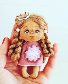 Доброе утро, дорогие мои! Крошечку в ленту))) #люблюкукол#ручнаяработа#брошка#крошка#doll#dolls#dollstagram#yalodolls