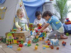 Kinder spielen mit den LEGO DUPLO Sets 10801 - 10805 Around The World / Einmal um die Welt mit vielen Tieren   http://www.spielzeug24.ch/pi/Einmal-um-die-Welt-10805-von-Lego-Duplo.html