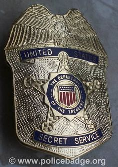 US Secret Service Badge.Being protective of our world's greatest people. Law Enforcement Badges, Federal Law Enforcement, Law Enforcement Officer, Military Police, Police Officer, Police Chief, Police Cars, Police Badges, Fallen Officer