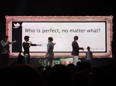 Aww pointing at Niall...cutest thing ever