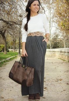 Maxi with sweater and boots  ToManiere: Fashionable Casual Combinations With Long Skirts For This Fall