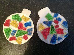Super simple glitter baubles:-)