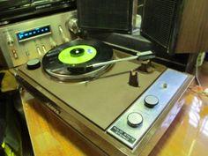 Modelo: DS-50TPais: JaponFabricante / Marca: Sanyo Electric Co. Ltd.(Osaka)Año: 1967 Categoría: Tocadisco Stereo con Amplificador de audi...147410644
