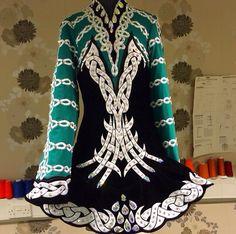 Celtic Star 2014 - neckline and bodice Irish Dance Quotes, Celtic Dress, Irish Step Dancing, Dance Fashion, Dance Pictures, Just Dance, Dance Dresses, Dance Costumes, Dream Dress