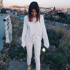 """40.8 mil Me gusta, 95 comentarios - Marta Riumbau (@riumbaumarta) en Instagram: """"Ahora si... FELIZ AÑO!!!! 🎉 ¿como lleváis el primer día del año? A las 20h tendréis vídeo!!"""" Bell Sleeves, Bell Sleeve Top, Harem Pants, Instagram Posts, Tops, Closet, Women, Style, Fashion"""
