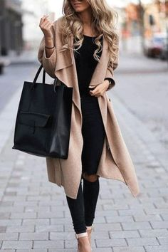 30 Awesome Camel Coat Outfits to Stay Sexy and Warm this Winter ~ Fashion & Design Doc Martens Outfit, Style Casual, Edgy Style, Women's Casual, Casual Wear, Fall Fashion Trends, Winter Fashion, Fashion Coat, Fashion Ideas