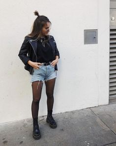 Adrette Outfits, Fall Fashion Outfits, Cute Casual Outfits, Look Fashion, Autumn Fashion, Edgy Fall Outfits, Black Outfits, Fur Fashion, Dr Martens Outfit