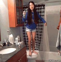 GIF: Woman Bathroom FAIL - www.gifsec.com