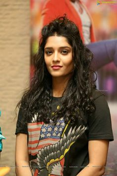 Ritika Singh Latest Photos - Tamil Actress Pictures, Stills, Images, Gallery and Photoshoots - Page 1 of 15 Rithika Singh, Tamil Movies, Tamil Actress, Classic Beauty, Indian Beauty, Indian Actresses, Bollywood, Sari, Wonder Woman