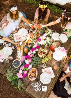 DIY floral crowns and floral garlands are a must-make for your ultimate picture-perfect boho bridal shower. picnic tables 12 Must-Haves for a Picture-Perfect Boho Bridal Shower Menu Brunch, Brunch Party, Birthday Brunch, Brunch Ideas, 30th Birthday, Girl Birthday, Chic Bridal Showers, Bridal Shower Party, Floral Garland