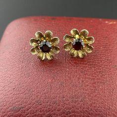 9K Gold Flower Garnet Stud Earrings